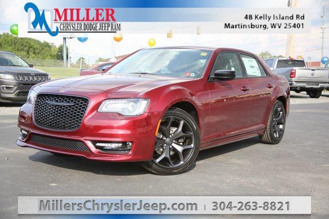2020 Chrysler 300 Touring L for sale in Martinsburg, WV