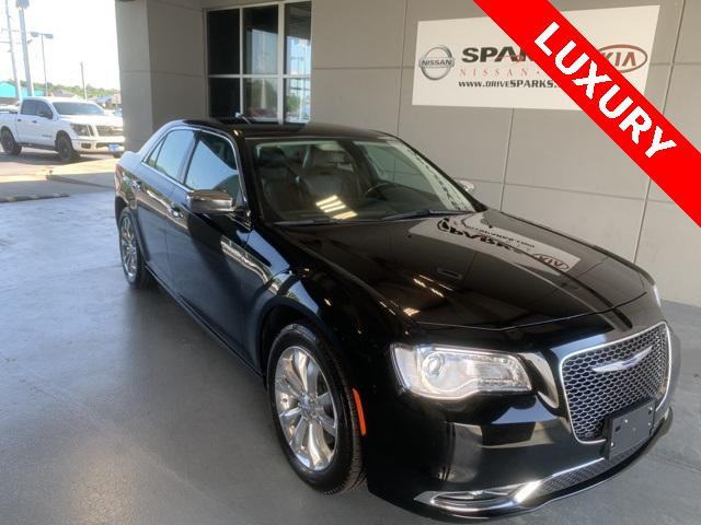 2019 Chrysler 300 Limited [16]