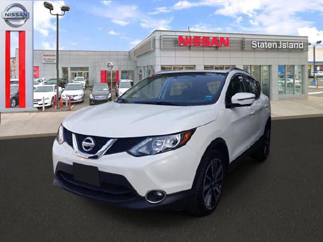 2017 Nissan Rogue Sport AWD SL [1]