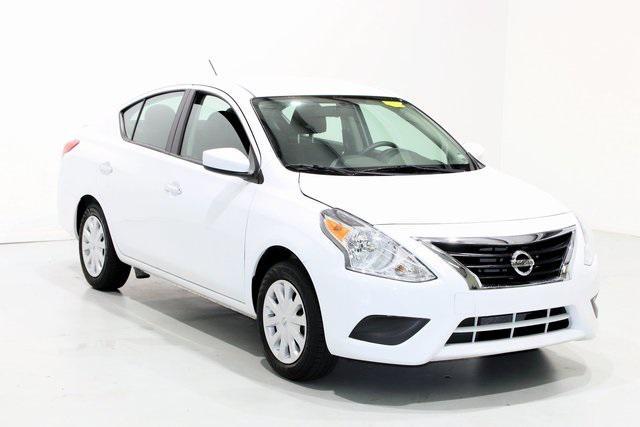 2019 Nissan Versa Sedan SV [10]