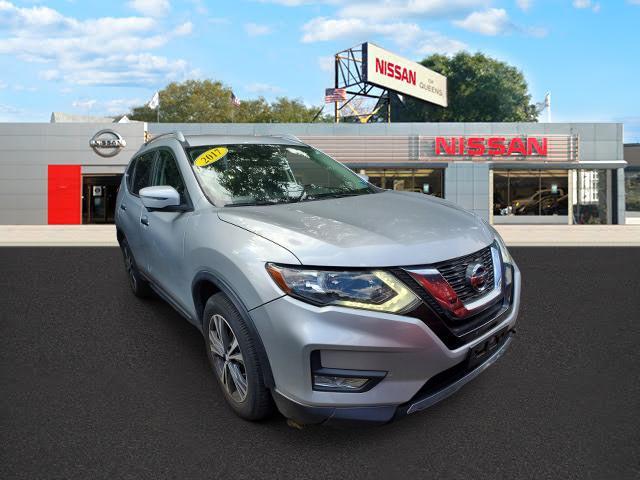 2017 Nissan Rogue AWD SL [2]