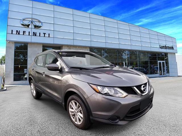 2017 Nissan Rogue Sport SV [1]