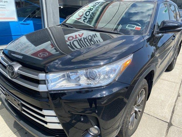 2017 Toyota Highlander LE Plus [0]