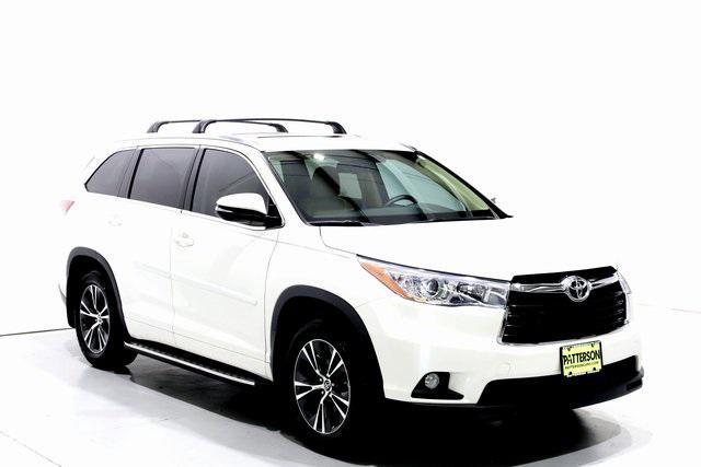 2016 Toyota Highlander XLE [2]