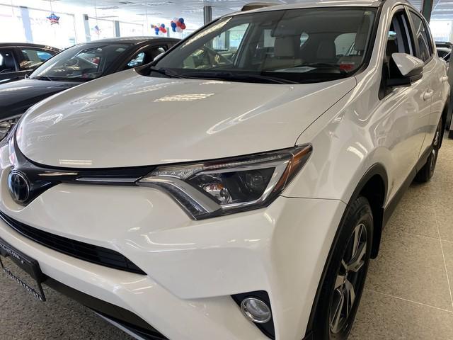 2017 Toyota Rav4 XLE [9]