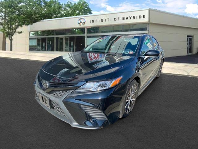 2018 Toyota Camry SE [9]