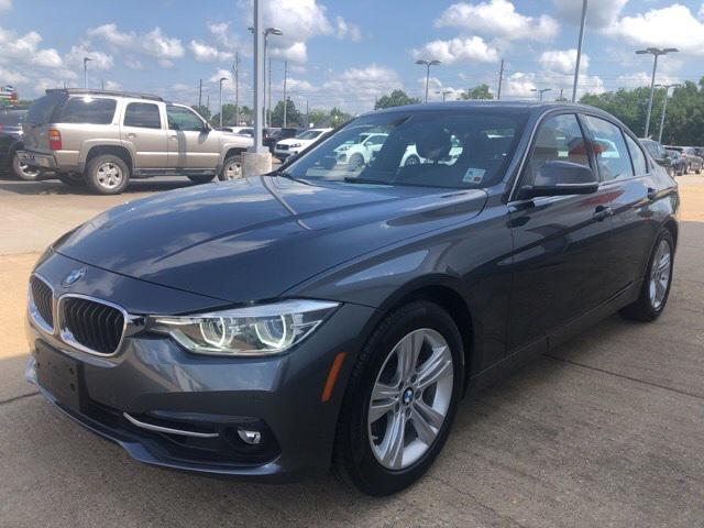 2017 BMW 3 Series 330i [3]