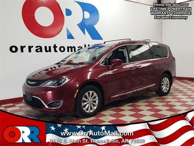 2018 Chrysler Pacifica Touring L [4]