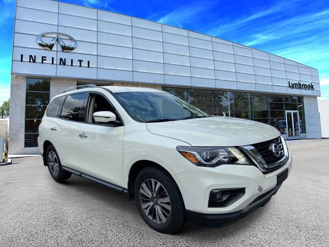 2017 Nissan Pathfinder SL [0]
