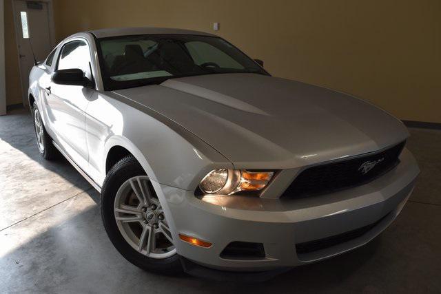 2012 Ford Mustang V6 [2]