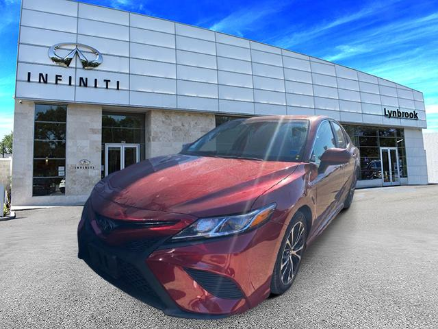 2018 Toyota Camry SE [13]