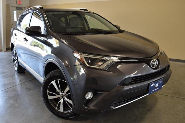 2016 Toyota Rav4 XLE [2]