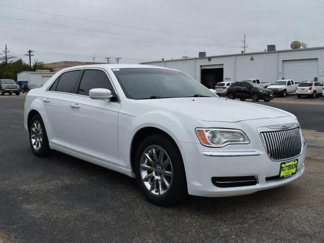 2014 Chrysler 300 4dr Sdn RWD [0]