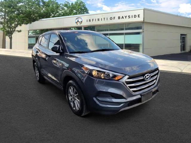 2017 Hyundai Tucson SE [2]