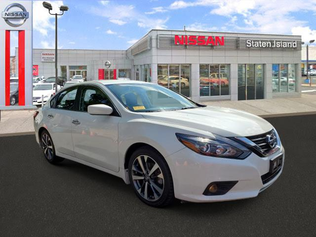 2017 Nissan Altima 2.5 SR [1]