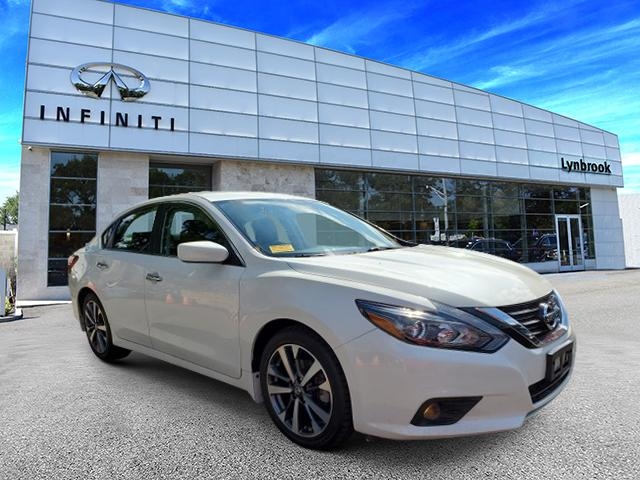 2017 Nissan Altima 2.5 SR [2]