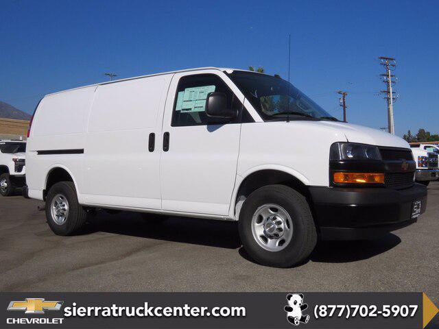 2020 Chevrolet Express Cargo Van RWD 2500 135″ [1]