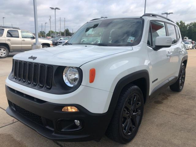2017 Jeep Renegade Altitude [3]