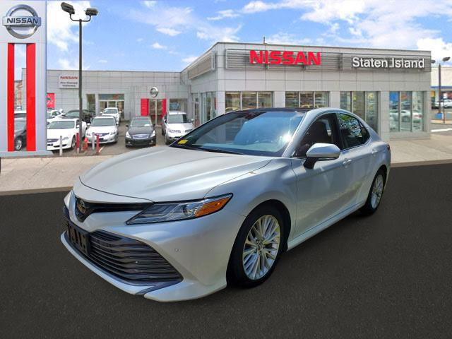 2018 Toyota Camry XLE [2]