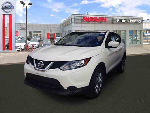 2017 Nissan Rogue Sport S [9]