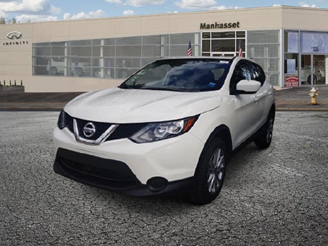 2017 Nissan Rogue Sport S [1]