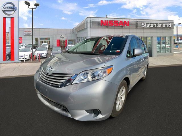 2015 Toyota Sienna LE AAS [7]