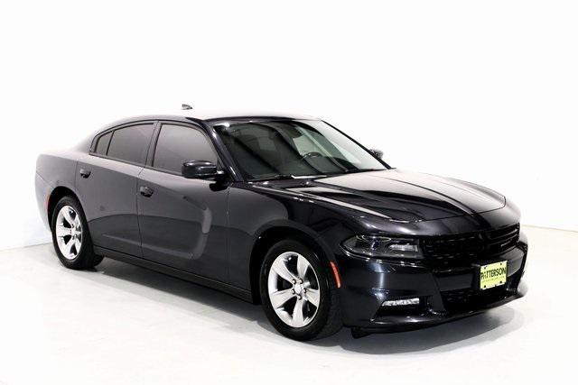 2016 Dodge Charger SXT [3]