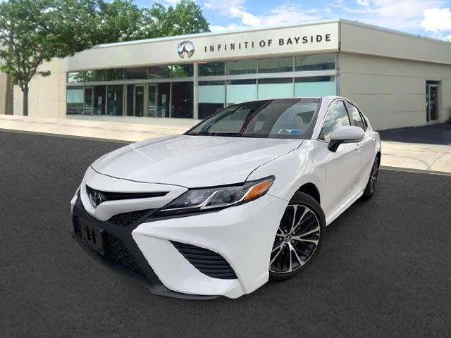 2019 Toyota Camry XSE [2]
