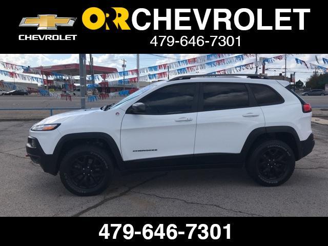 2016 Jeep Cherokee Trailhawk [19]