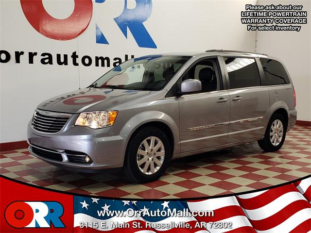 2016 Chrysler Town & Country Touring [1]