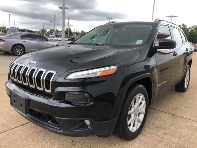 2017 Jeep Cherokee Latitude [1]