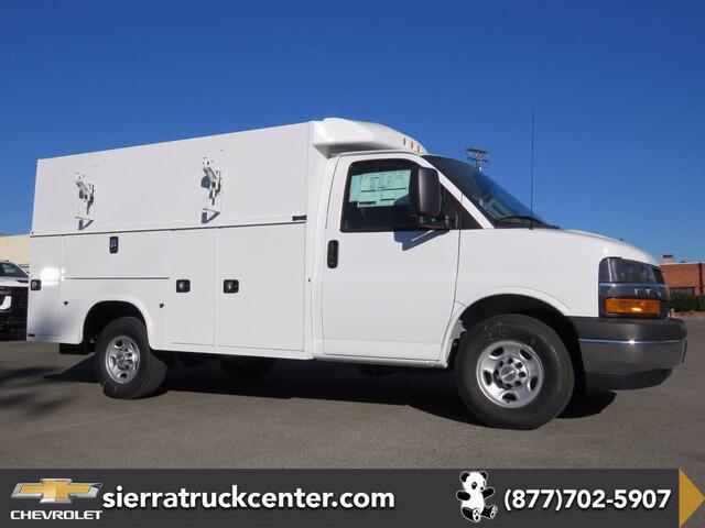2020 Chevrolet Express Commercial Cutaway Van 139″ [12]