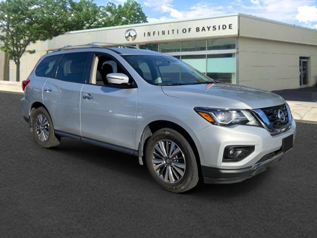 2017 Nissan Pathfinder SV [0]