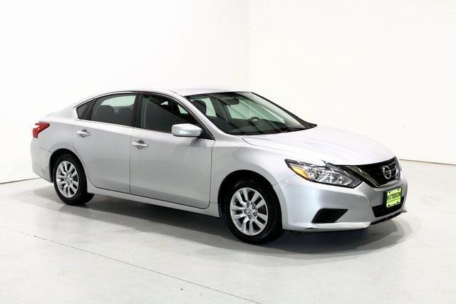2016 Nissan Altima 2.5 [10]