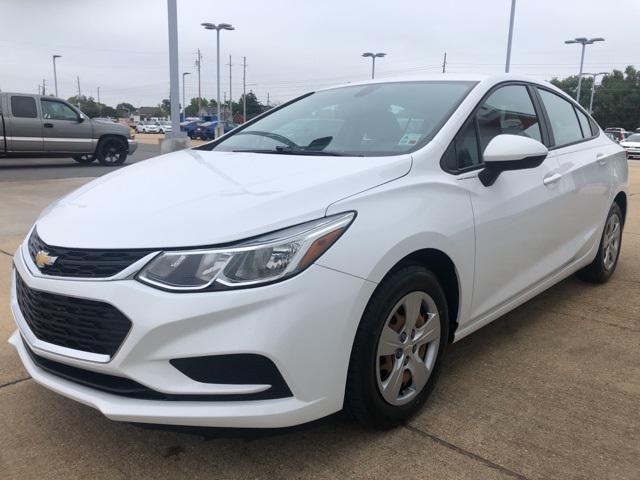 2017 Chevrolet Cruze LS [1]