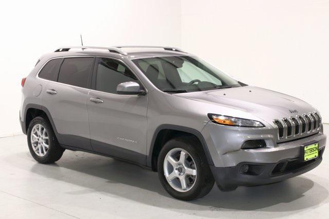 2016 Jeep Cherokee Latitude [9]