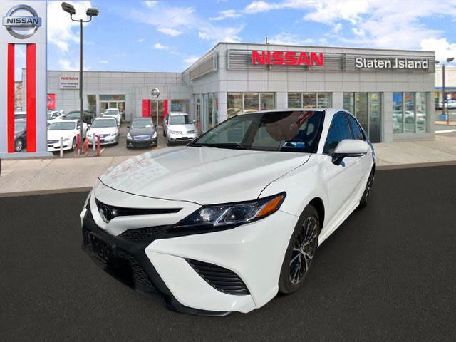 2018 Toyota Camry SE [18]