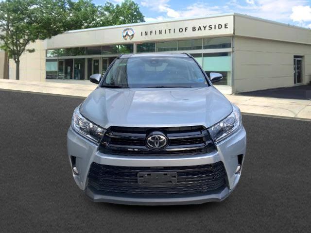 2017 Toyota Highlander SE [0]