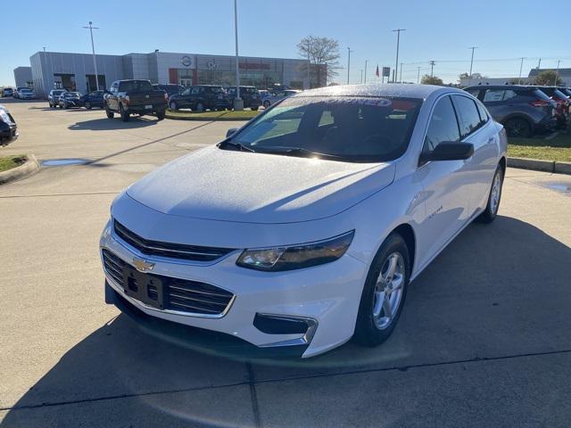 2017 Chevrolet Malibu LS [9]