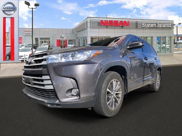 2017 Toyota Highlander XLE [2]