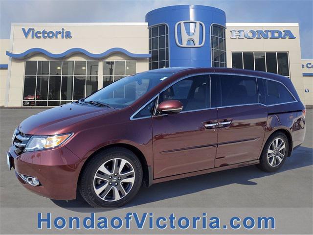 2016 Honda Odyssey Touring Elite [11]