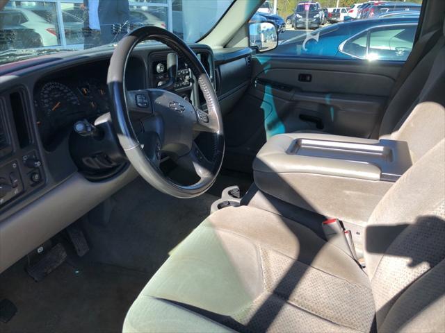 2005 Chevrolet Suburban LS [6]
