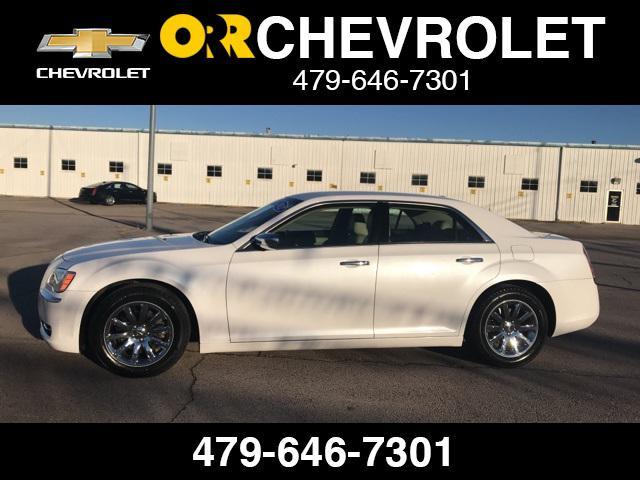 2012 Chrysler 300 Limited [4]