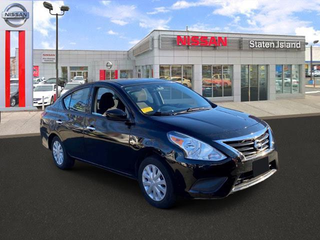 2016 Nissan Versa SV [1]