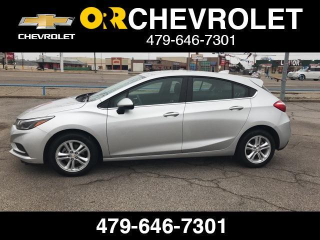2018 Chevrolet Cruze LT [2]