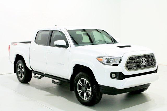 2017 Toyota Tacoma TRD Sport [8]