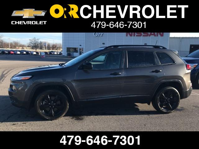 2017 Jeep Cherokee Sport [7]