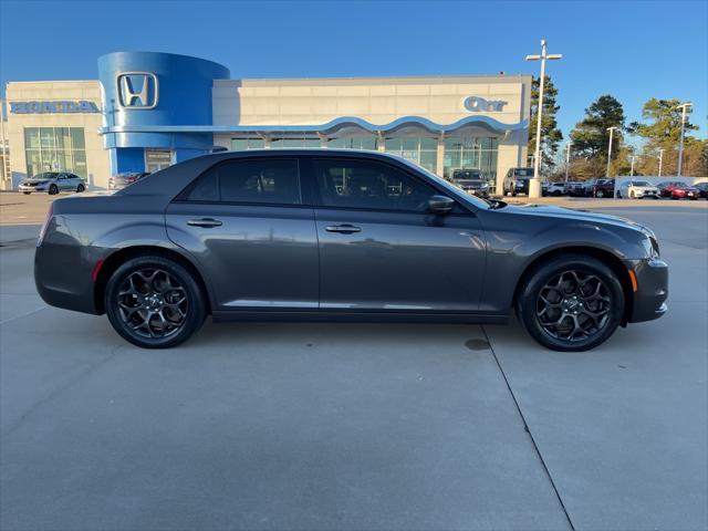 2019 Chrysler 300 300S [8]