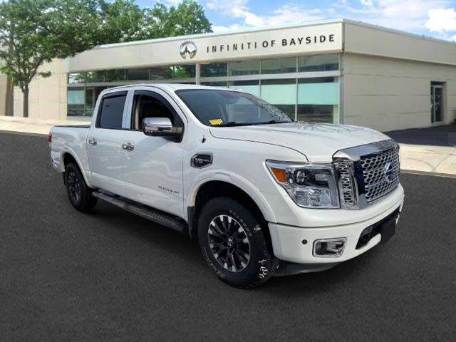 2017 Nissan Titan Platinum Reserve [0]