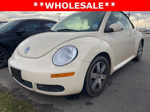 2006 Volkswagen New Beetle Convertible 2dr 2.5L Auto [1]
